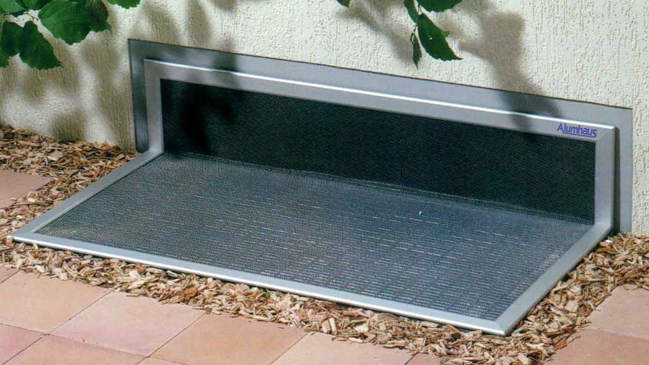 lichtschacht insektenschutz alumhaus gmbh. Black Bedroom Furniture Sets. Home Design Ideas