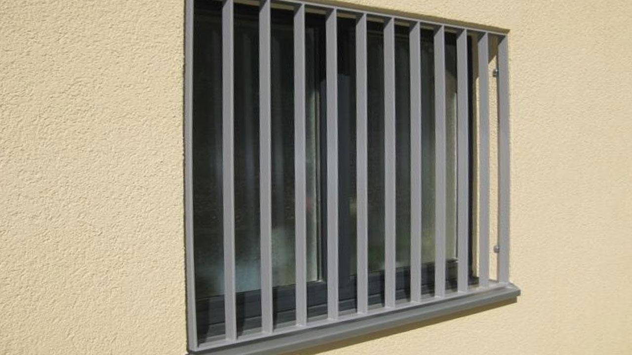 fenstergitter einbruchschutz m usegitter staketengitter oder wellengitter. Black Bedroom Furniture Sets. Home Design Ideas