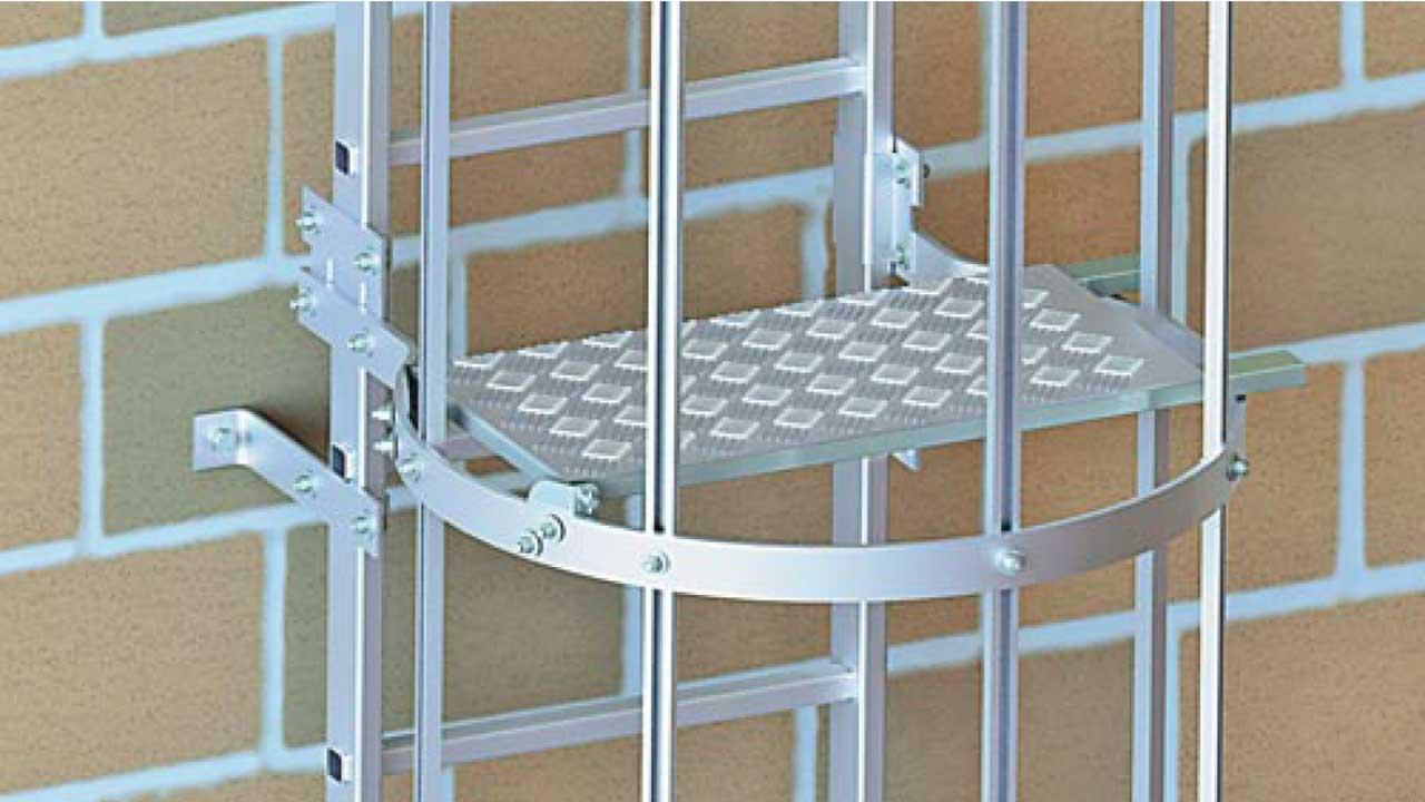 fassadenleiter ortsfeste leiter f r fassaden und sch chte. Black Bedroom Furniture Sets. Home Design Ideas