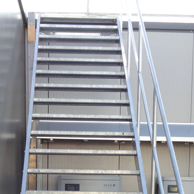 Hervorragend Treppen aus Aluminium Industrietreppen OZ11